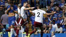 Inghilterra, partenza shock del Chelsea: ko in casa col Burnley. Everton: è subito Rooney